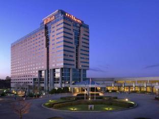 /hilton-atlanta-airport/hotel/atlanta-ga-us.html?asq=jGXBHFvRg5Z51Emf%2fbXG4w%3d%3d