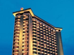 Century Park Hotel מנילה - בית המלון מבחוץ