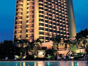 Century Park Hotel Manila - Hotellin ulkopuoli