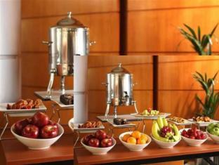 Rihab Rotana Hotel Dubai - Buffet
