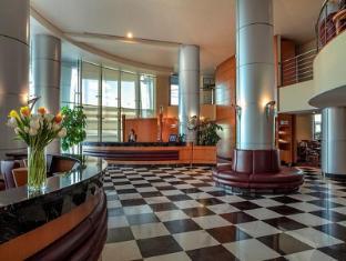 Rihab Rotana Hotel Dubai - Lobby