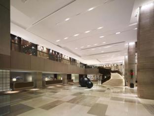 New World Makati Hotel Manila - Lobby