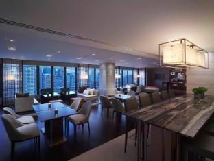 New World Makati Hotel Manila - Residence Club Living Room