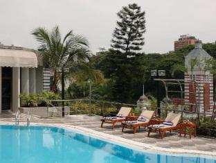Peninsula Excelsior Hotel Singapur - Schwimmbad