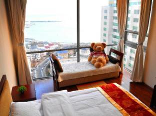 /qingdao-jinshan-we-holiday-apartment/hotel/qingdao-cn.html?asq=jGXBHFvRg5Z51Emf%2fbXG4w%3d%3d