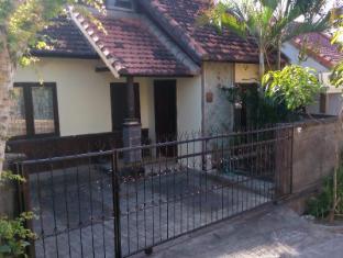 Arjuna Townhouse