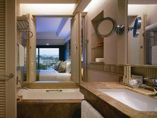 Shangri-La's Rasa Sentosa Resort & Spa Singapore - Panoramic Seaview Room
