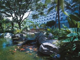 Shangri-La's Rasa Sentosa Resort & Spa Singapore - Surroundings