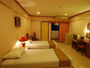 New World City Hotel Bangkok - Superior room near Khao San Road