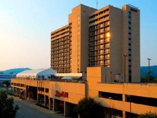 /charleston-marriott-town-center/hotel/charleston-wv-us.html?asq=jGXBHFvRg5Z51Emf%2fbXG4w%3d%3d