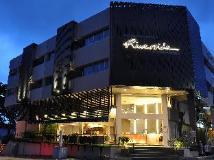 Malaysia Hotel Accommodation Cheap | riverside night view