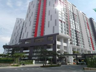 LSE @ Greenfield Regency Apartment