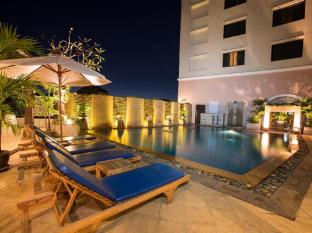 The Imperial Mae Ping Hotel Chiang Mai - Pool view