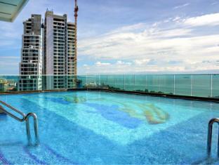Cosy Beach View Condominium by 1015
