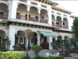 /rangniwas-palace-hotel/hotel/udaipur-in.html?asq=GzqUV4wLlkPaKVYTY1gfioBsBV8HF1ua40ZAYPUqHSahVDg1xN4Pdq5am4v%2fkwxg
