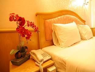 13 Coins Airport Hotel Minburi Bangkok - Standard King Size Bedroom