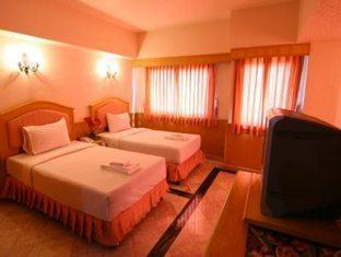 13 Coins Airport Hotel Minburi Bangkok - Standard Twin Room