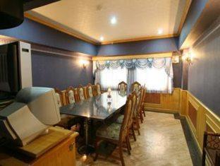 13 Coins Airport Hotel Minburi Bangkok - Karaoke Room