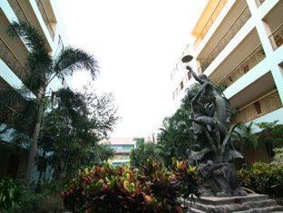 13 Coins Airport Hotel Minburi Bangkok - Hotel Area