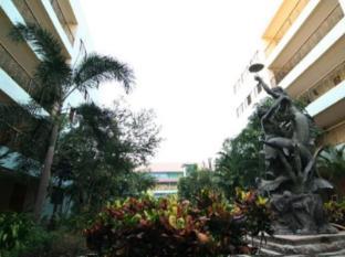 13 Coins Airport Hotel Minburi Bangkok - Garden