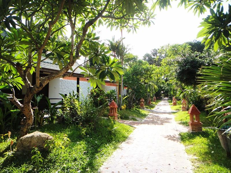 Chaweng Buri Resort13