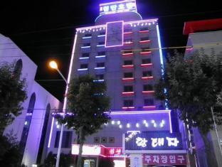 /lv-lv/new-stars-hotel/hotel/gwangju-metropolitan-city-kr.html?asq=0qzimMJ43%2bYQxiQUA5otjE2YpgdVbj13uR%2bM%2fCEJqbKUOgqi5CLgTXjlY%2fnqVd14cbDSVsDp2hRzipkMdu8tw9jrQxG1D5Dc%2fl6RvZ9qMms%3d