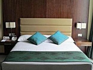 Howard Johnson Hotel Abu Dhabi - Guest Room