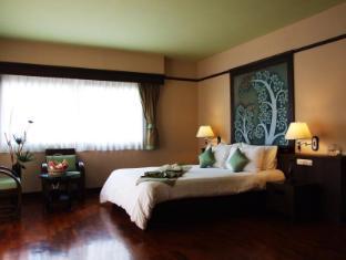 萨里塔小屋温泉酒店