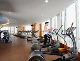 센타라 그랜드 앳 센트럴 월드 호텔 방콕 - 헬스장