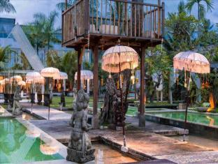 The Mansion Resort Hotel & Spa Bali - Hotellet från utsidan