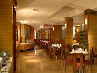 Grand Sarovar Premier Hotel Mumbai - Restaurant