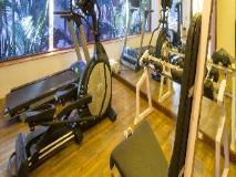 Lazylagoon Sarovar Portico Suites: fitness room