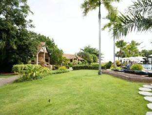 Botany Beach Resort Паттайя - Сад
