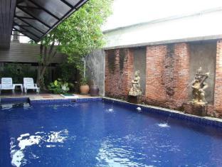 Twin Inn Hotel Phuket - Swimming Pool