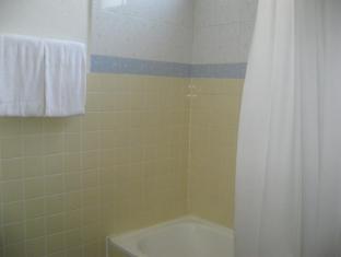 Hotel Mingood Penang - Shower over Bathtub