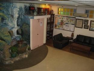 Hotel Mingood Penang - Lobby Reading Area