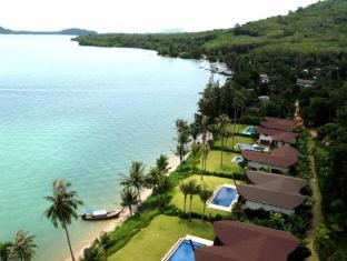 The Village Coconut Island Beach Resort Phuket - Vaade