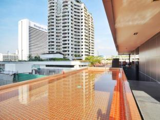 The Heritage Silom Hotel Bangkok - view from the pool