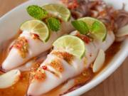 Seamed squid in Chili & Lime 250 THB