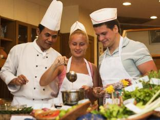 Royal Cliff Beach Hotel by Royal Cliff Hotels Group Pattaya - Nah Pah Cooking School
