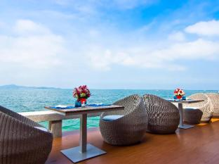 Royal Cliff Beach Hotel by Royal Cliff Hotels Group Pattaya - Restaurang