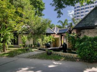 Siam Bayshore Resort and Spa Pattaya - Surroundings