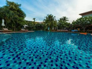 Metadee Resort and Villas Phuket - bazen