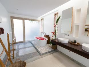 Metadee Resort and Villas Phuket - Bathroom