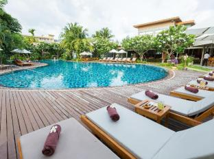 Metadee Resort and Villas Phuket - Kolam renang
