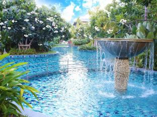 Metadee Resort and Villas Phuket - Piscina