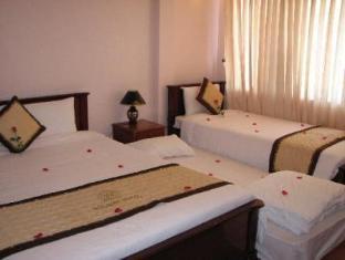 Hue Holiday Hotel Hue - Family room