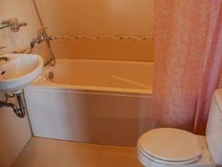 Hue Holiday Hotel Hue - Bathroom