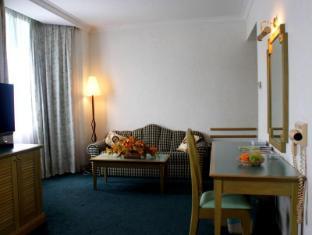 Regalodge Hotel Ipoh - Regal Family Suite - Living area