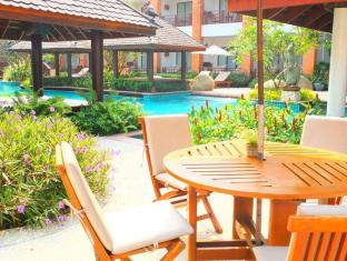 Woodlands Hotel and  Resort Pattaya - Exterior